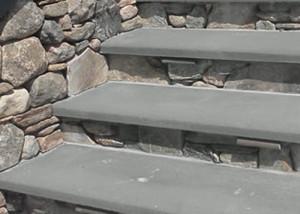 Scala in pietra esterno
