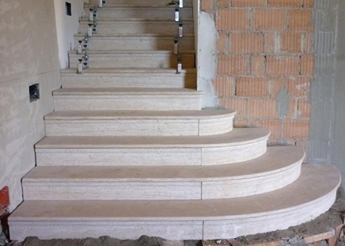 Scale in granito per interni - Granito per scale ...